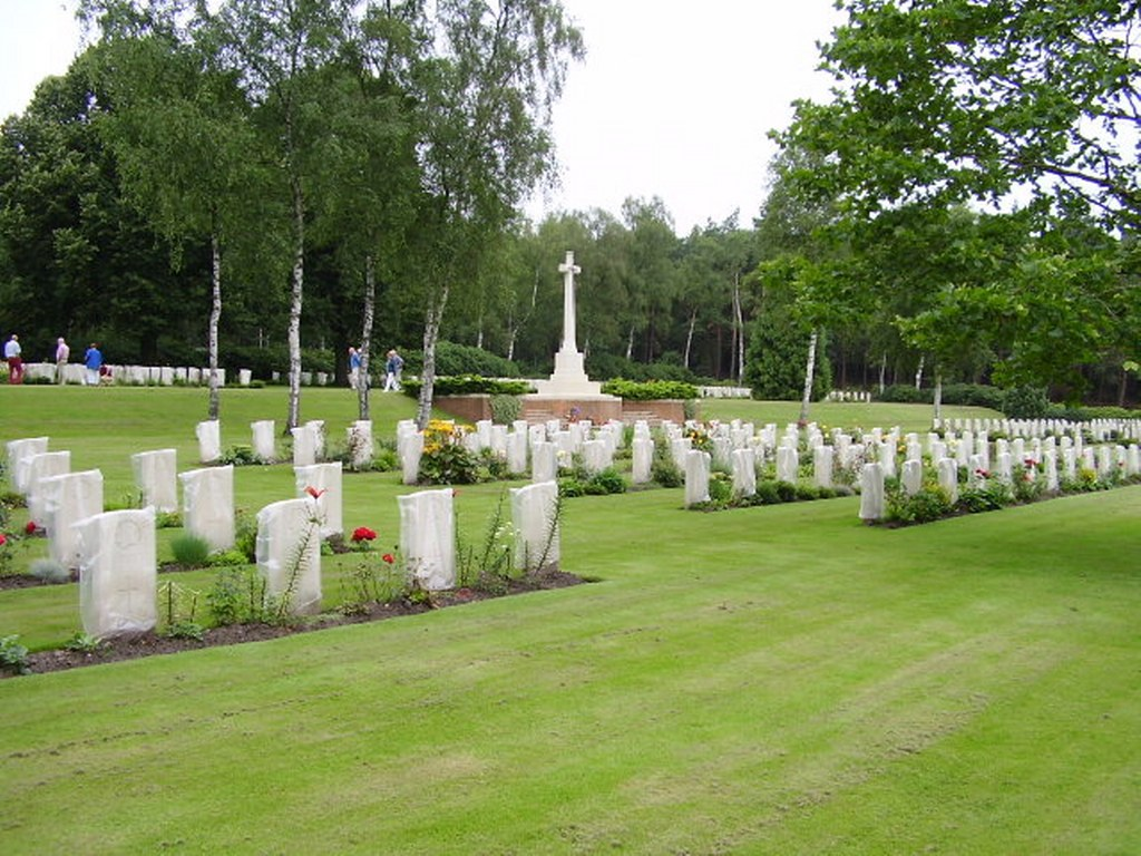 Holton Canadian War Cemetery