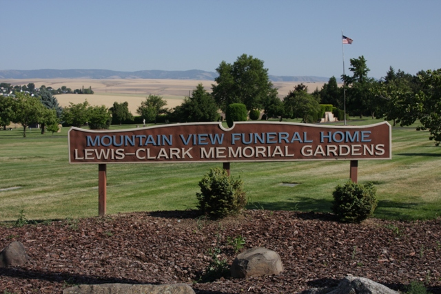 Lewis and Clark Memorial Gardens Cemetery